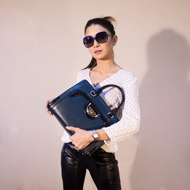 closet organizers handbags