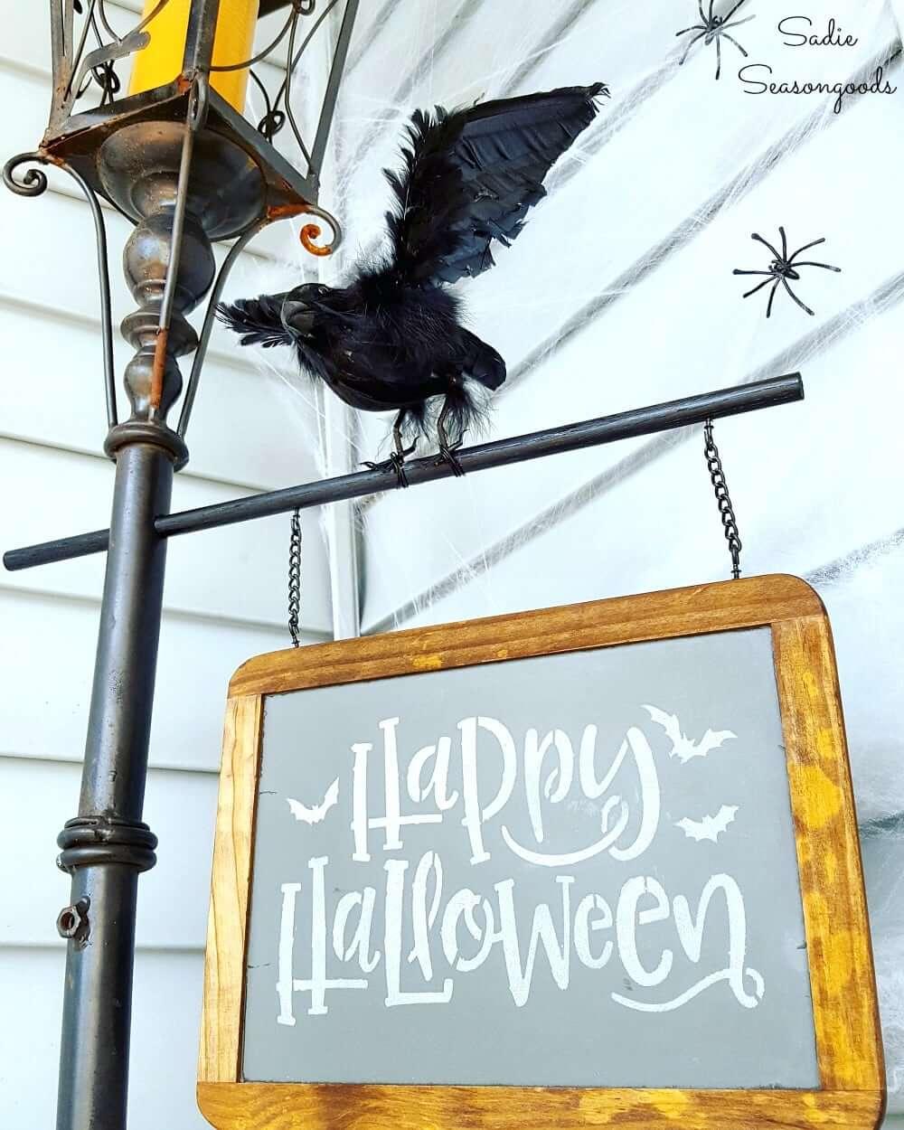 diy halloween decorations - Halloween Light Post
