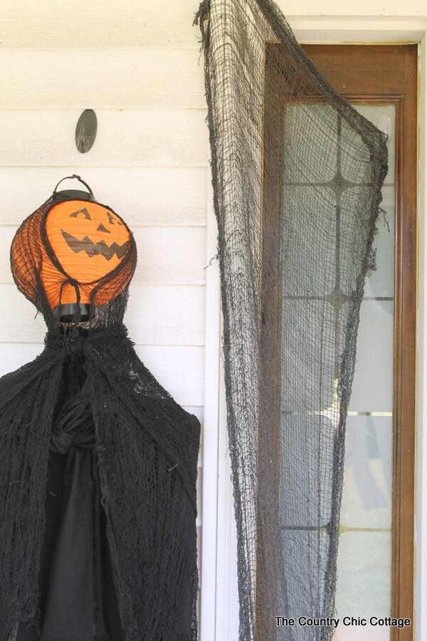 diy halloween decorations - paper lanter hanging ghosts