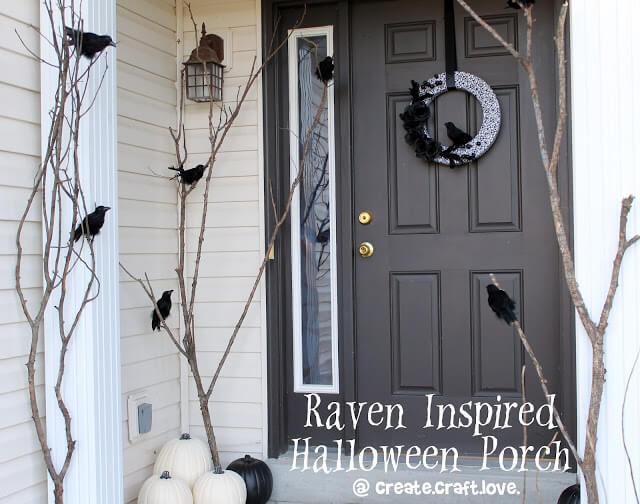 diy halloween decorations - raven halloween porch