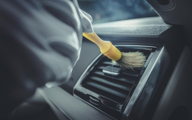 car-cleaning-brush