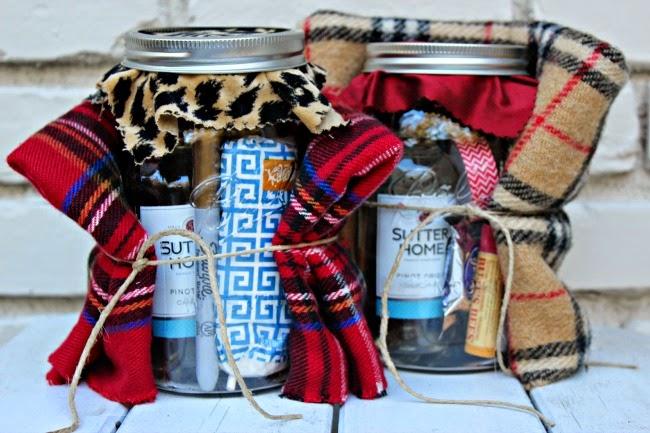 christmas-gift-mason-jar-holiday-survival-kit