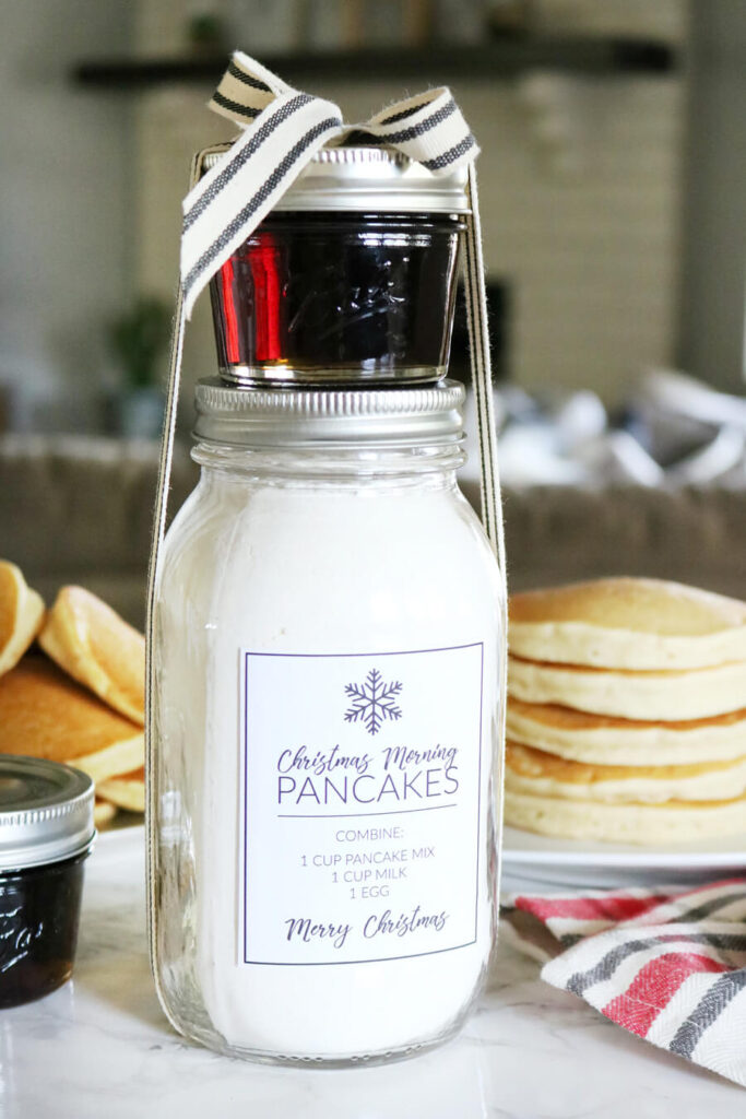 christmas-morning-pancakes-in-a-jar-gift-idea