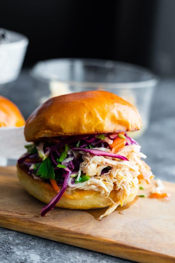 easy-slow-cooker-chicken-sandwich
