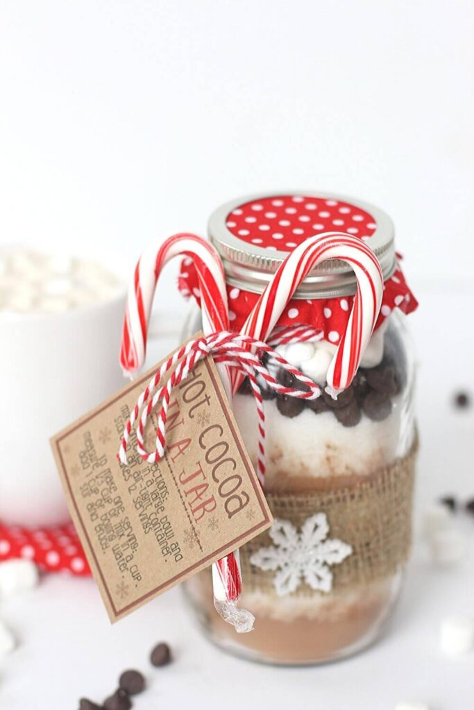 hot-cocoa-in-a-jar-christmas-gift
