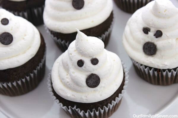 spooky halloween desserts easy to make ghost cupcakes
