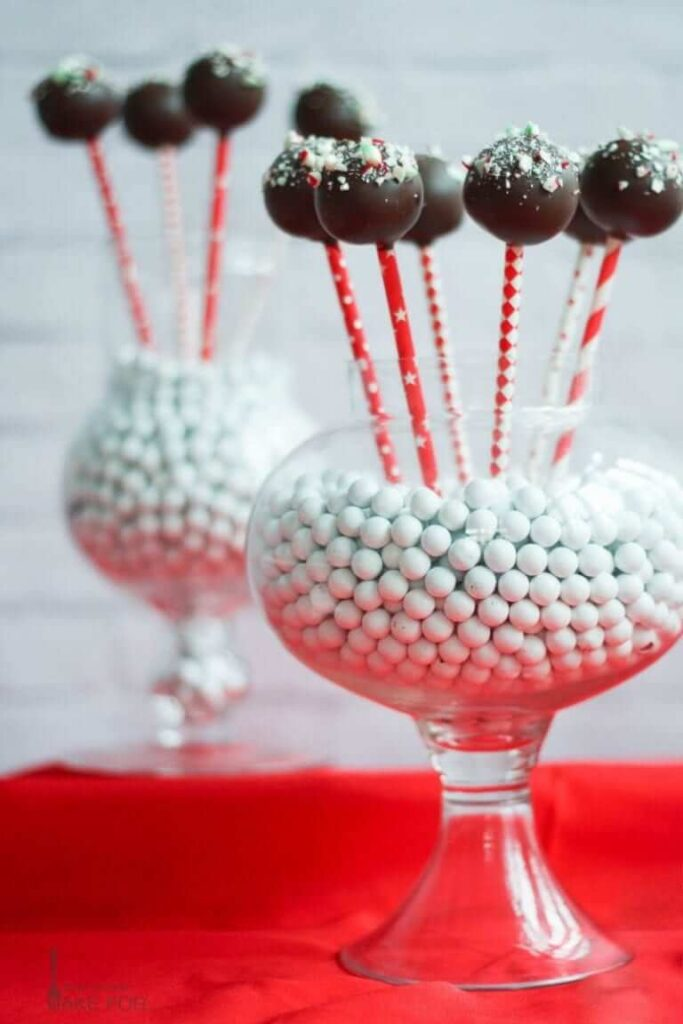 Chocolate Peppermint Holiday Cake Pops