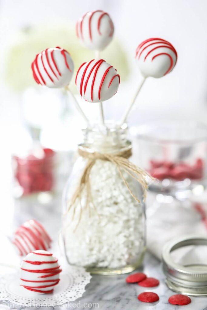 christmas red velvet cake pops