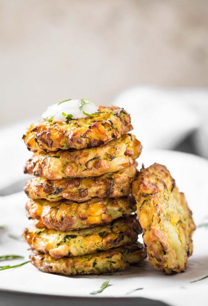 Gesunde-Zucchini-Mais-Krapfen