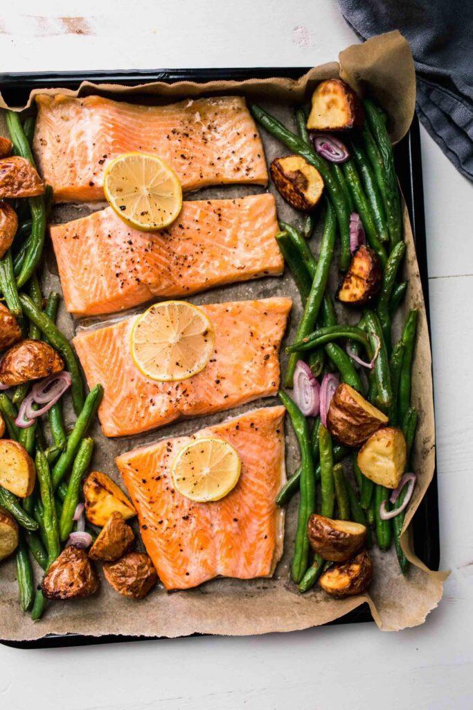 Easy-sheet-pan-salmon