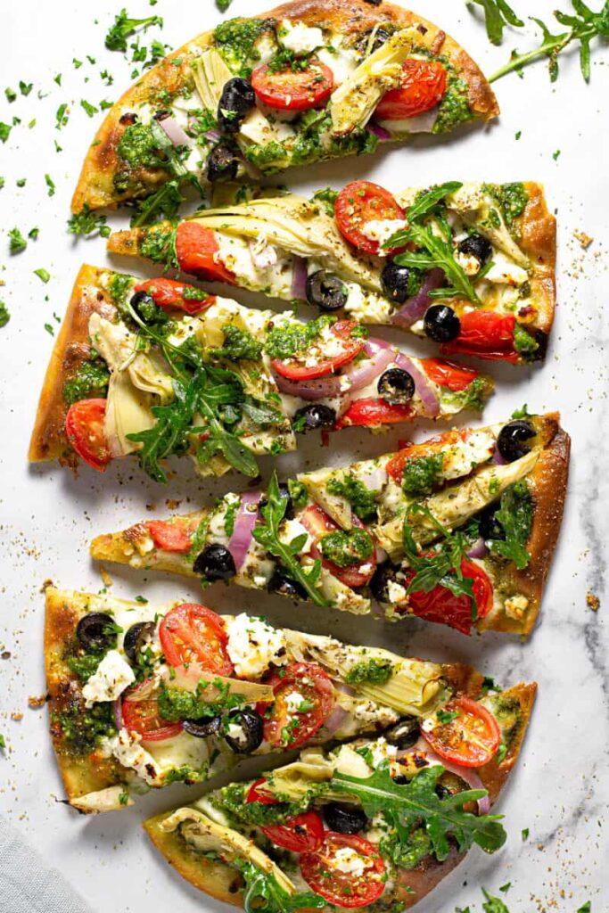 Mediterranean-flatbread-vegetarian
