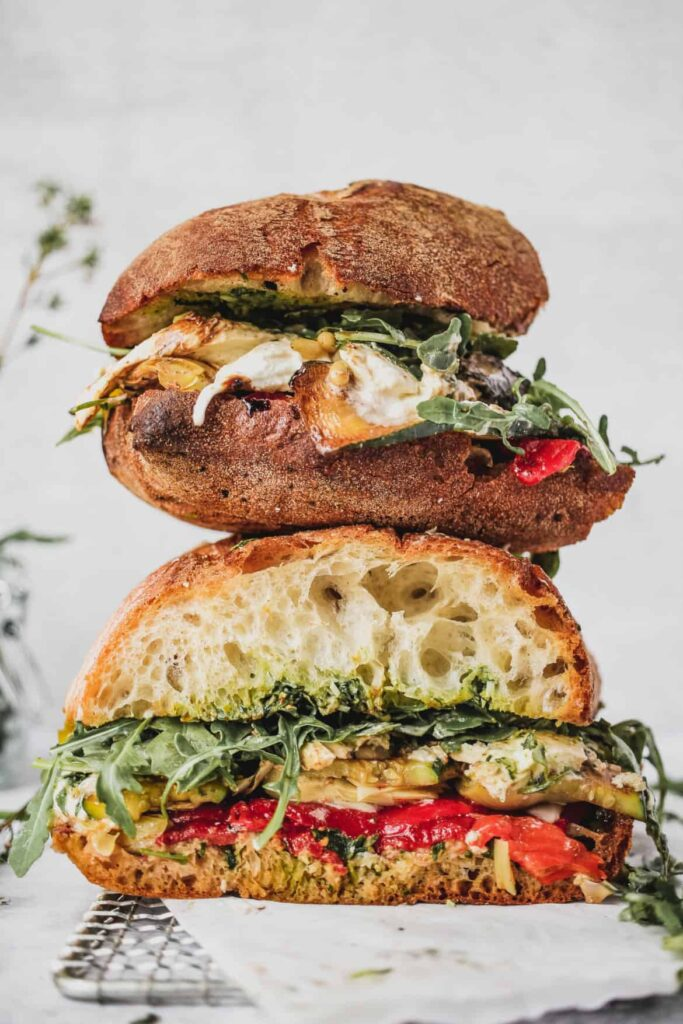 Roasted-veggie-sandwich-pesto