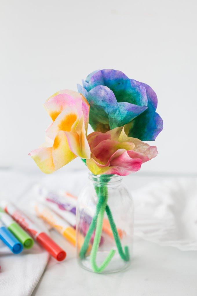 Kaffee-Filterblumen-Muttertag-Bastelarbeiten-für-Kinderfor
