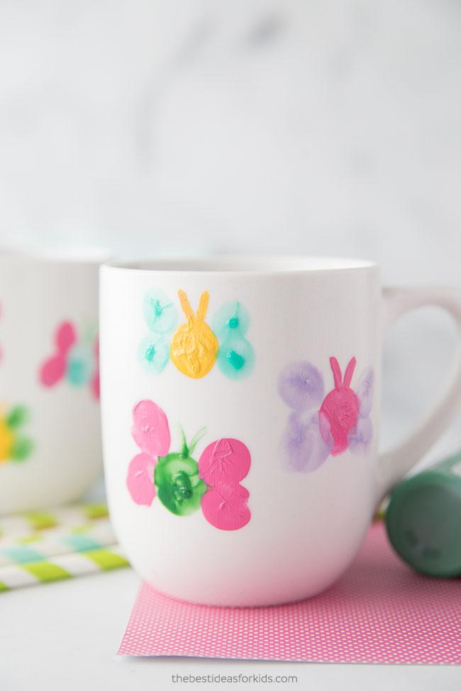 Kinder-Fingerabdruck-Schmetterling-Becher-Malerei