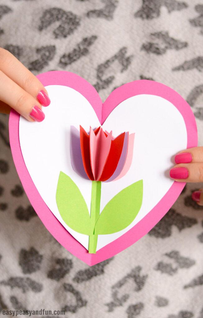 Tulpe-Herz-Karte-Muttertag-Bastel-für-Kinder