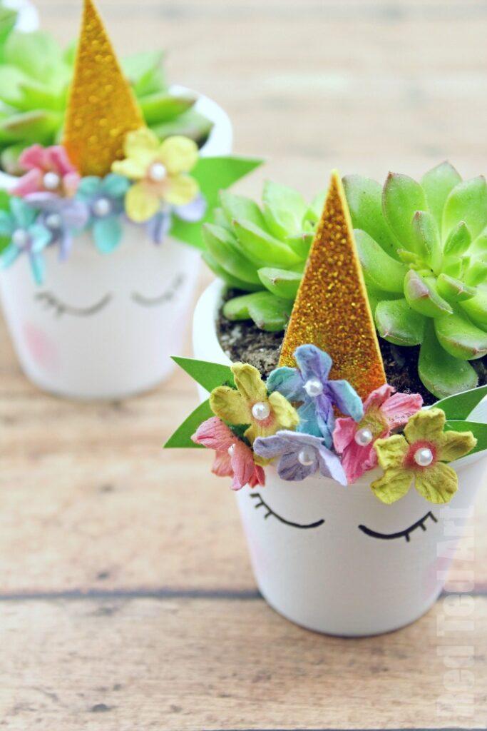 Einhorn-Pflanzer-Bastelarbeiten-für-Kinder-Muttertag