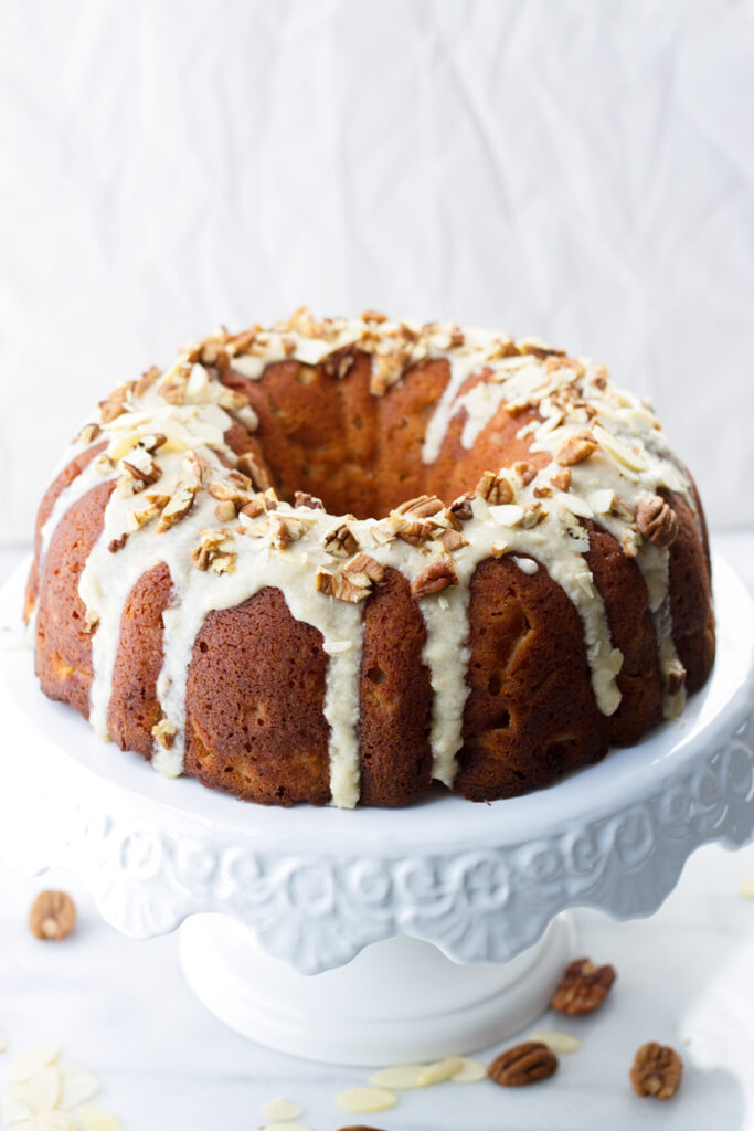Apple-bundt-cake-with-maple-glaze