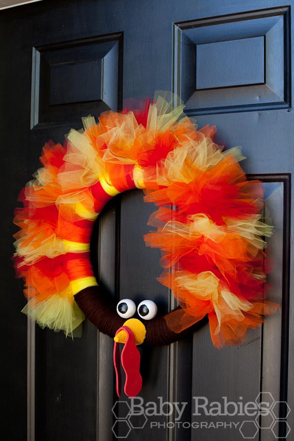 DIY fall turkey wreath decor