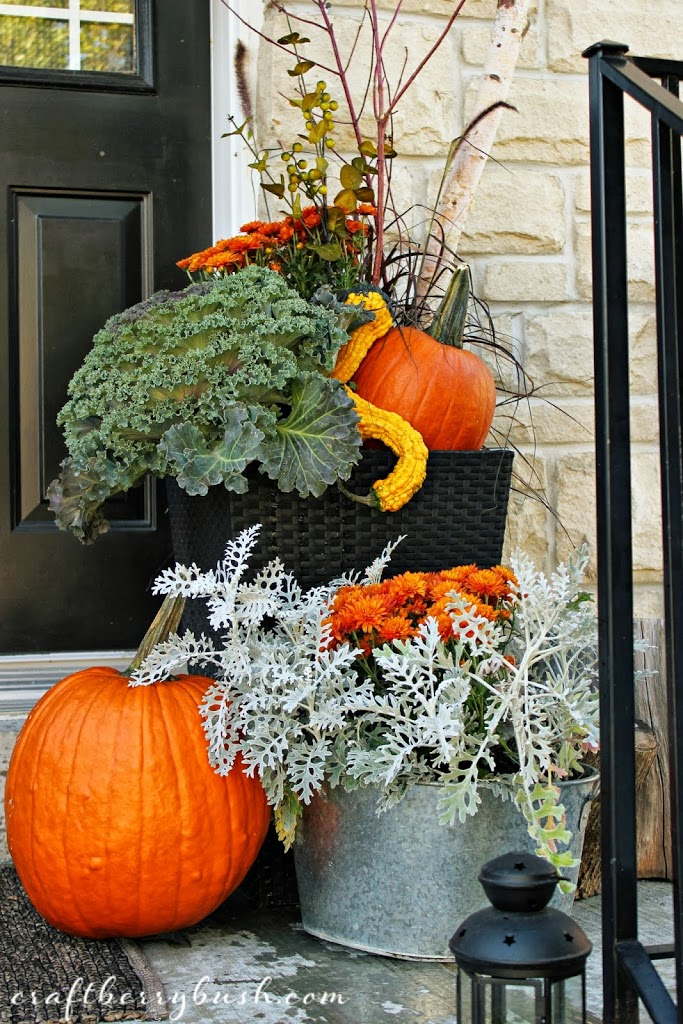 fall front porch decoration