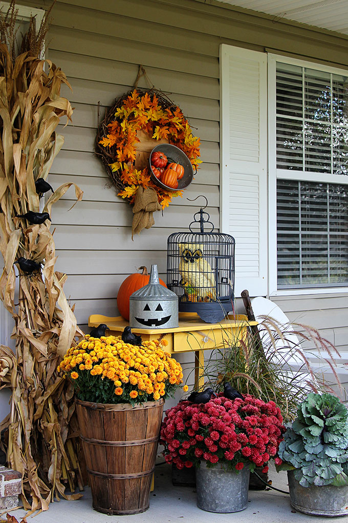 fall to halloween outdoor decoration