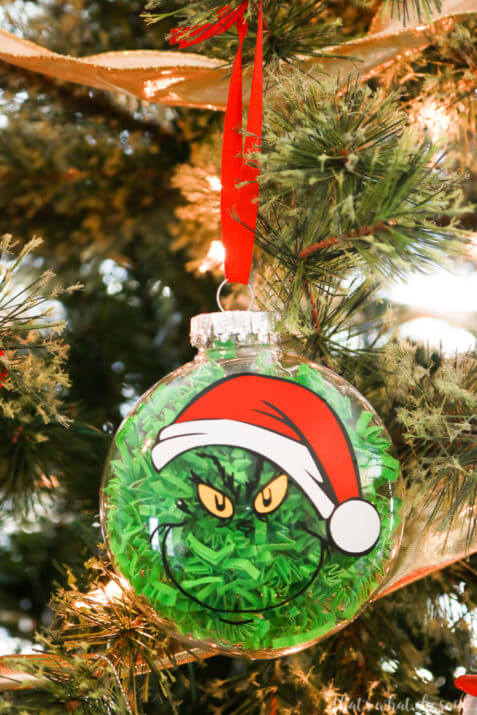 How-to-Make-a-Grinch-Ornament-477x715