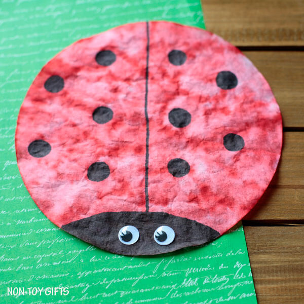 coffee filter craft with lady bug