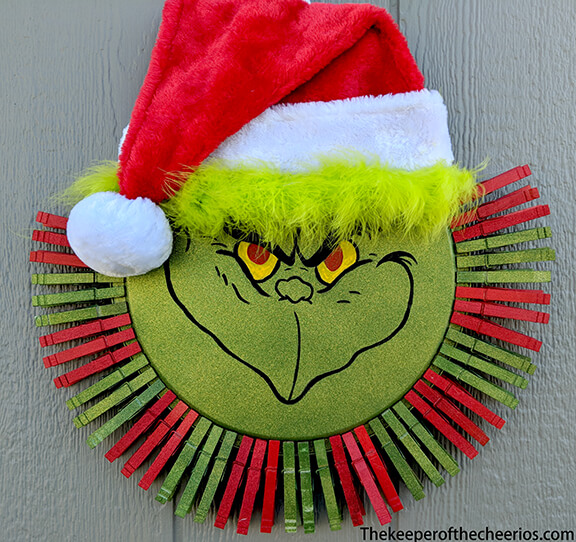 grinch clothespin Pizza Pan Wreath