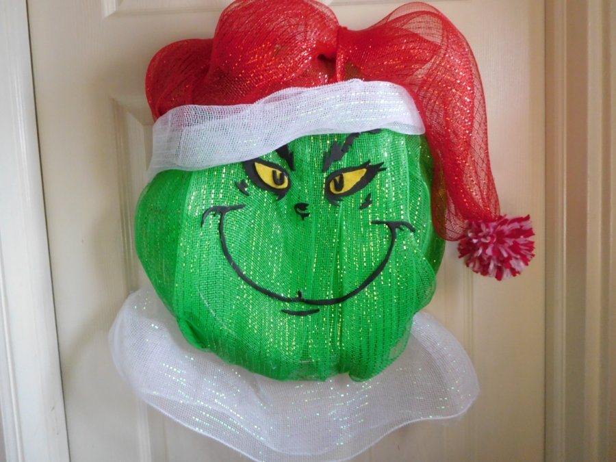 The-Grinch-Mesh-Wreath